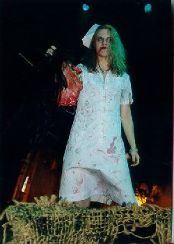 Alice Cooper's daughter to appear in <b>Scarlet Fry's Junkfood Horrorfest</b>